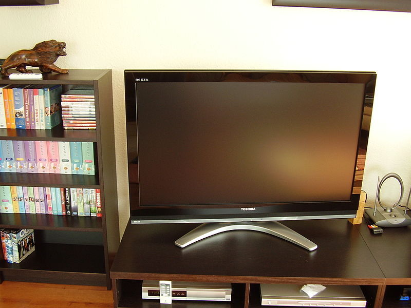 Television set table